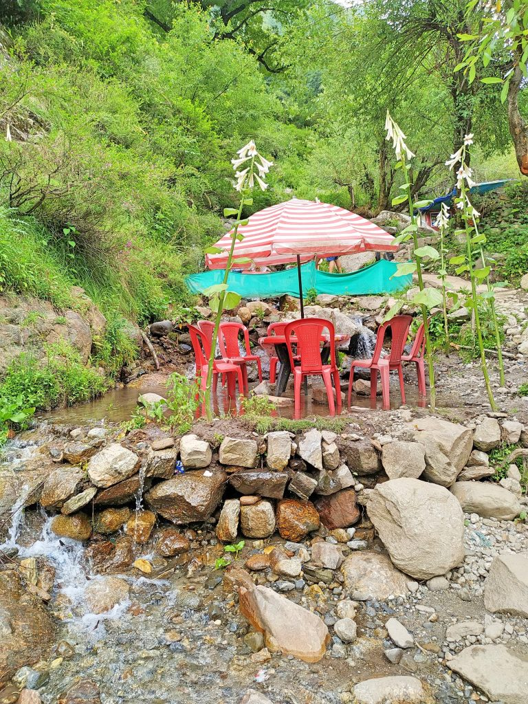 Waterfall cafe Kheerganga